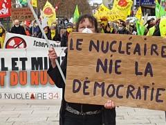 2021-03-13_le-nucleaire-nie-la-democratie.jpg